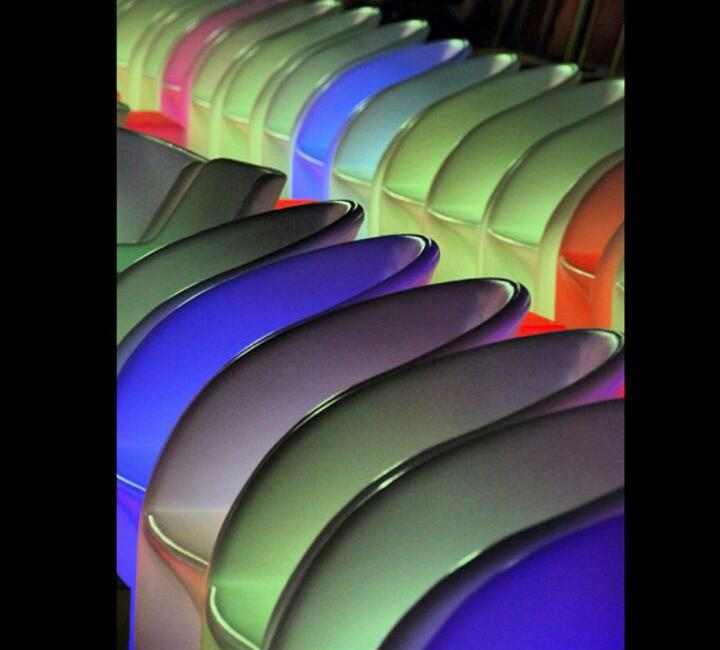 الآن للبيع وبكميات محدودة كراسي نابليون بألوانها وكراسي وطاولات للأفراح والقاعات i_13725b18355.jpg