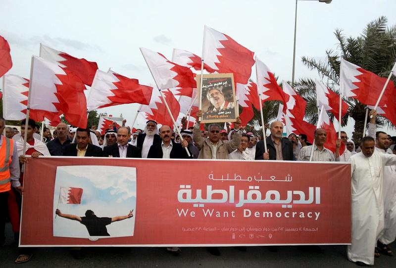مسار المعارضة: استمرار المقاومة المدنية والعزل الاجتماعي للمطبعين مع النظام